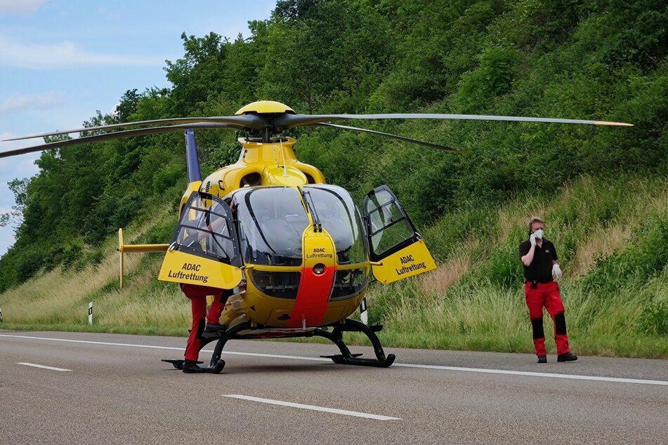 Das Unfallopfer wurde mit einem Rettungshubschrauber in eine Klinik geflogen.