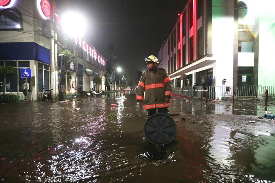 Aufgrund starker Regenfälle am Montag kam es in den mexikanischen Städten Ecatepec und Tula zu Überschwemmungen.