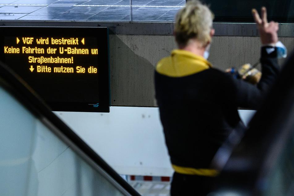 """Nächstes """"Öffi""""-Chaos: Warnstreiks legen Hessens Busse und Bahnen lahm"""