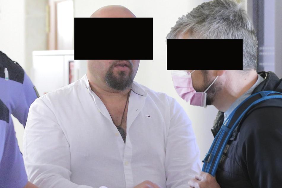 Illegaler Freundschaftsdienst: Beamter steckte Stalker Infos zu!
