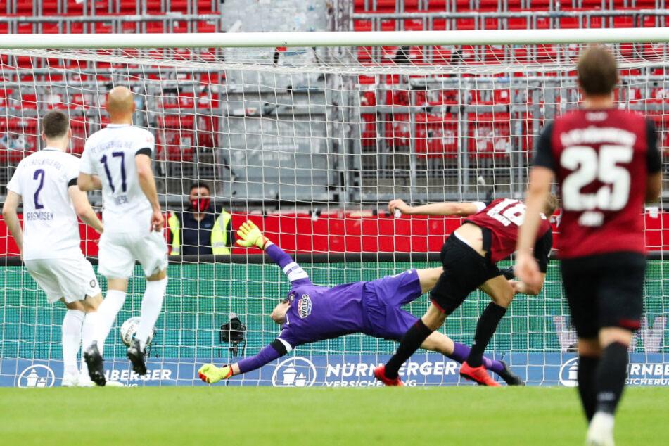 FCE-Schlussmann Martin Männel (M.) ist aufgrund der 5. Gelben Karte für die Partie gegen den SV Darmstadt 98 gesperrt.