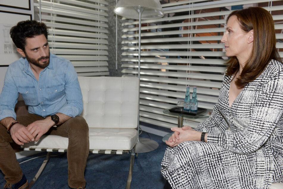 Tobias erfährt von Katrin, was Melanie über ihn erzählt hat.