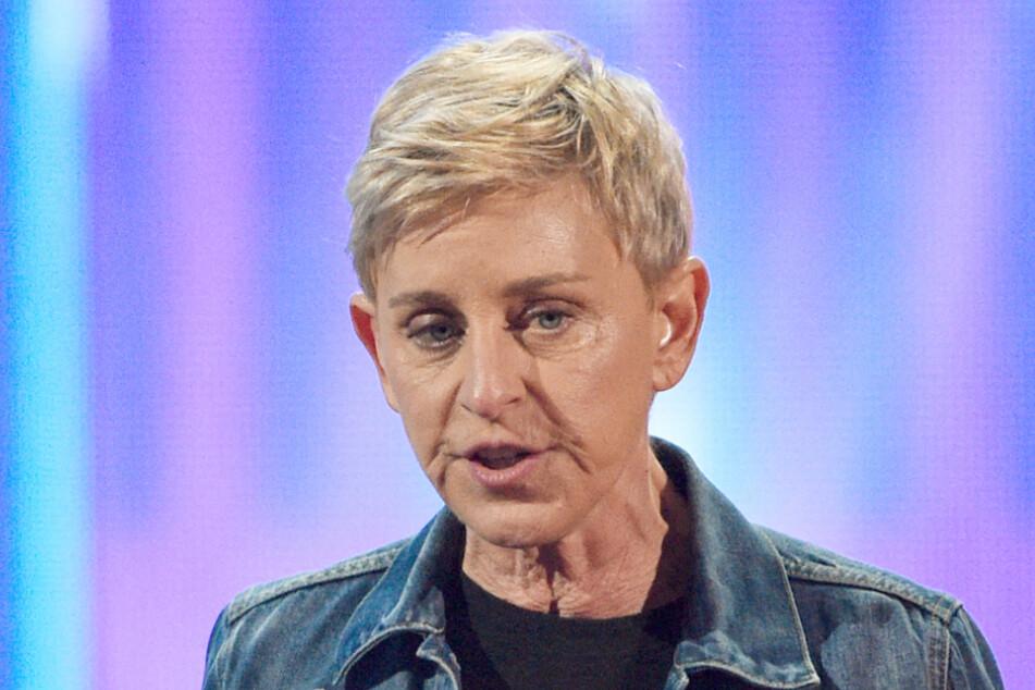 TV-Star Ellen DeGeneres vermischte ihre Entschuldigung mit Witzen und Ironie. Bei den früheren Angestellten ihrer Show kam das gar nicht gut an.