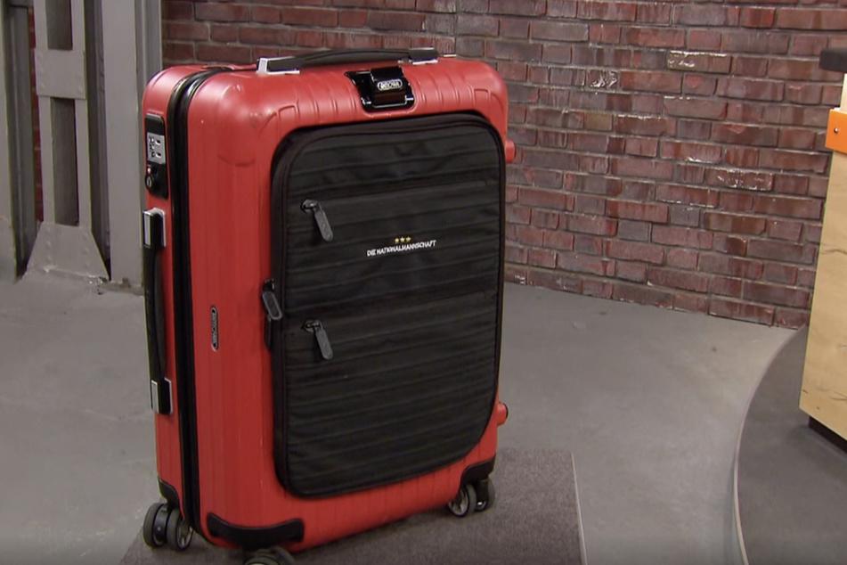 2014 reiste der Koffer zusammen mit Harperings Bekanntem, einem Sicherheitsbeauftragten der Nationalmannschaft, mit nach Brasilien.