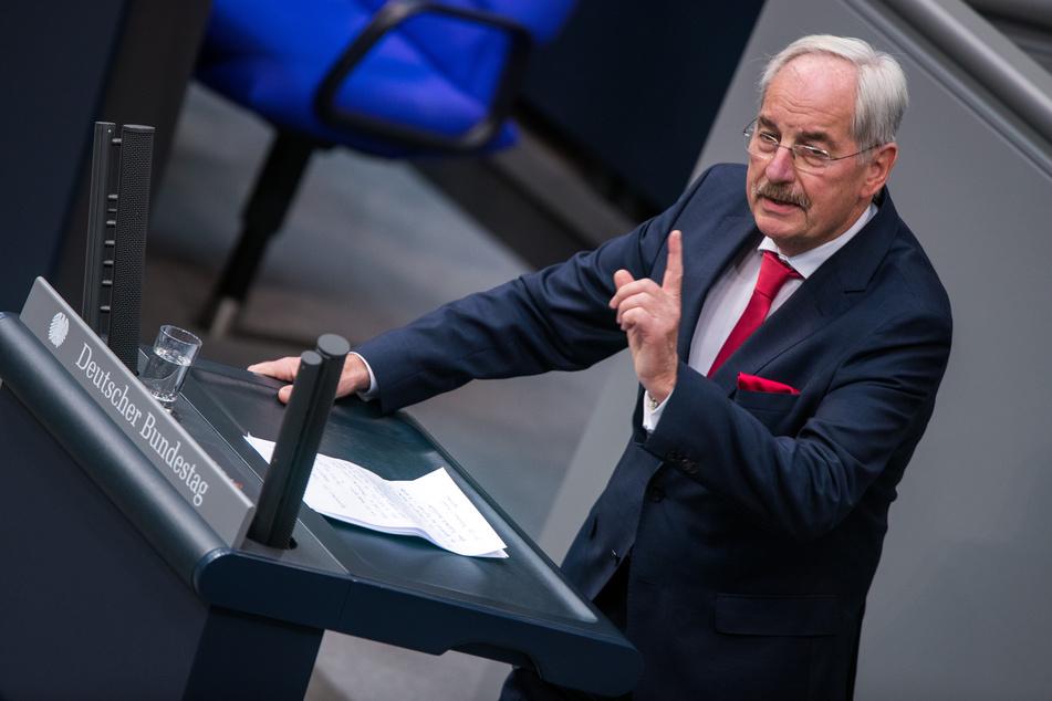 In seinem Facebook-Video verglich der CDU-Politiker Jans-Jürgen Irmer (69, CDU) unter anderem Einwanderer mit Zuchttieren. (Archivfoto)