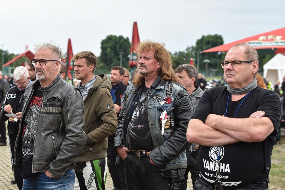 Über 1100 Biker fuhren durch Dresden. Die Tour wurde von der Polizei begleitet.