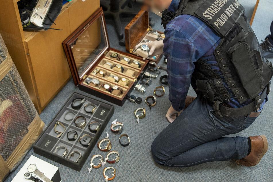 Die Hälfte der in Leipzig gestohlenen Uhren tauchte bei der Durchsuchung in Polen auf.