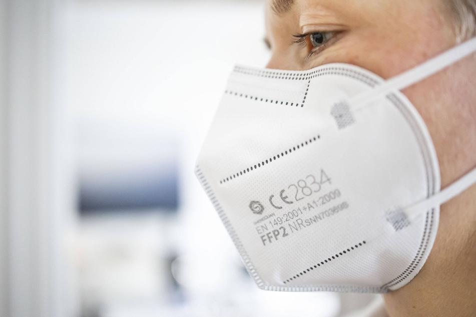 """Dresden: FFP2-Masken: Das verbirgt sich hinter der Jahreszahl """"2009"""""""