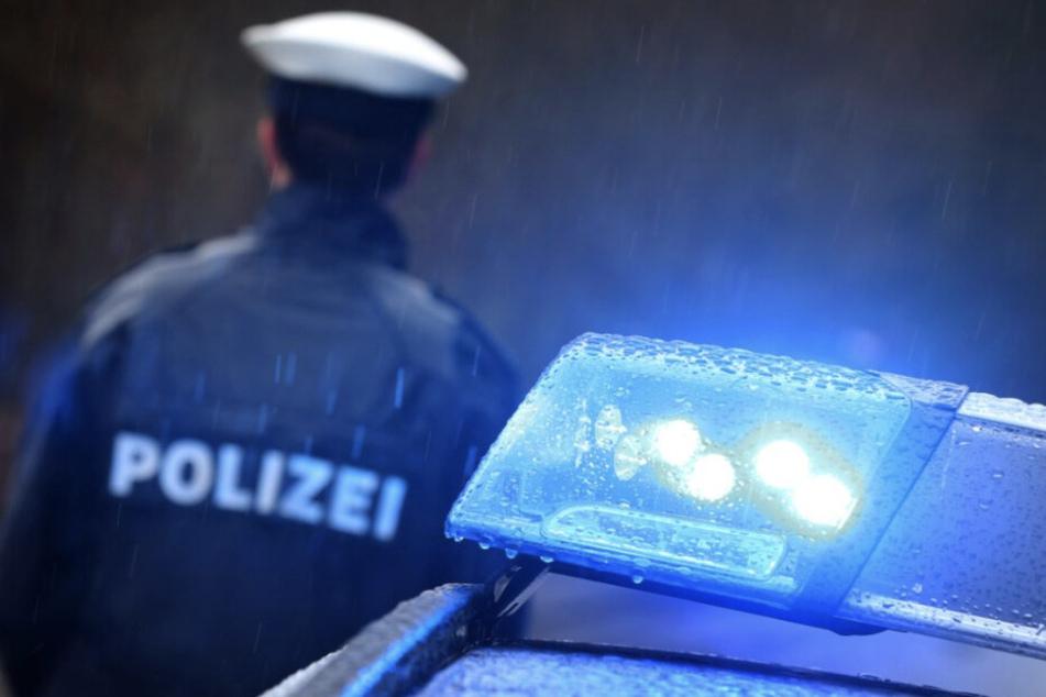Schwerer Raub: Pärchen auf Supermarkt-Parkplatz misshandelt und verletzt