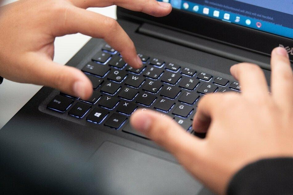 Mit einem Sicherheitsupdate sollen die digitalen Schulräume jetzt besser geschützt sein. (Symbolbild)