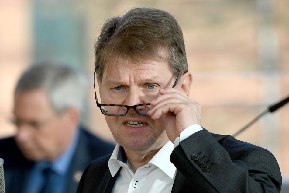 Ralf Stegner, SPD-Fraktionsvorsitzender, spricht auf der Landtagssitzung.