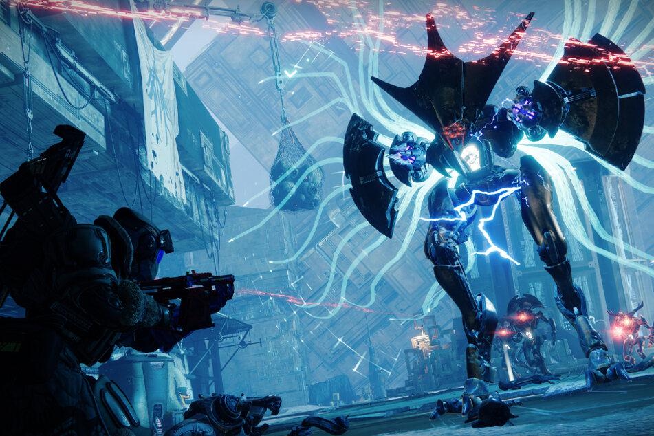 """Neben neuen Locations und Ausrüstung bietet """"Beyond Light"""" endlich auch neue Gegner. Diese sogenannten """"Wyvern"""" der Vex greifen Euch nicht nur mit ihren Laserkanonen an, sie können sich auch in eine Art Kugel verwandeln und im Sturzflug Euch das Leben schwer machen."""
