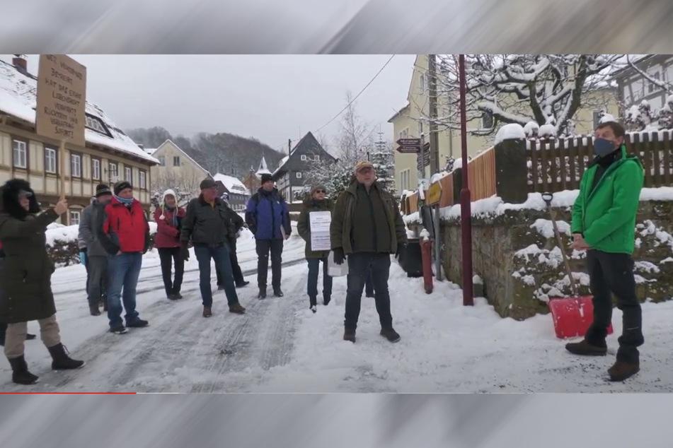 Am 10. Januar demonstrierten Querdenker vor dem Haus von Michael Kretschmer (45, CDU). Nun lädt er auch sie zum Online-Dialog. Was bürdet sich der Ministerpräsident da auf?