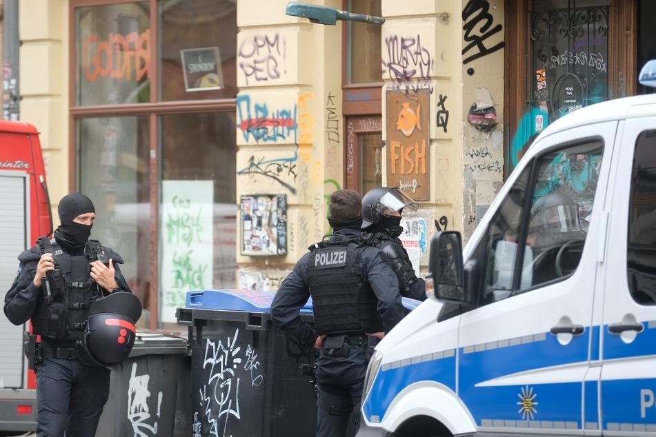 In Connewitz findet seit dem heutigen Mittwochmorgen ein Polizeieinsatz statt.