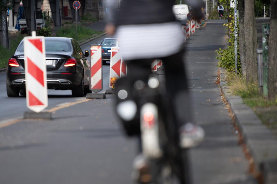 Ein Fahrradfahrer wurde nach einem Disput mit einem Autofahrer aggressiv und schlug zu (Symbolbild).