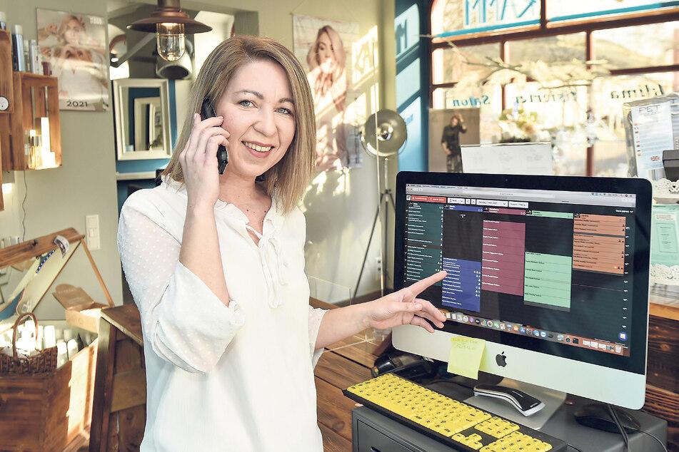 Der Terminkalender von Friseurmeisterin Dana Mehnert (35) ist schon jetzt brechend voll.