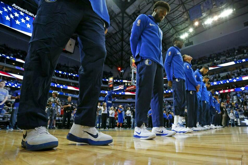 Mavericks owner angers Texas lawmakers with national anthem policy
