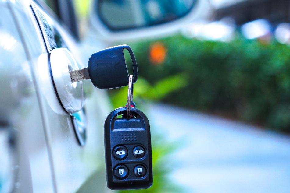 Köln: Frau entlarvt inseriertes Auto als gestohlen: Ihr Mann kauft es