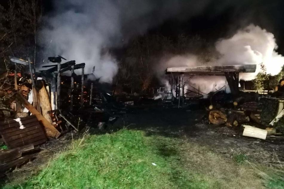 Die Feuerwehr konnte den Brand schließlich löschen.