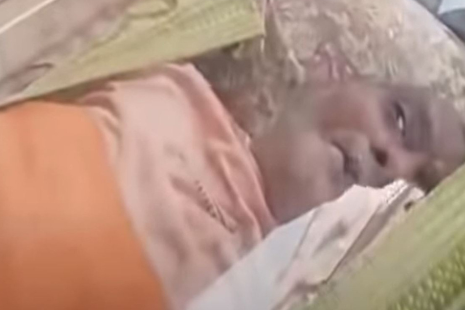 "Indian man in ""coffin"" suddenly opens his eyes"