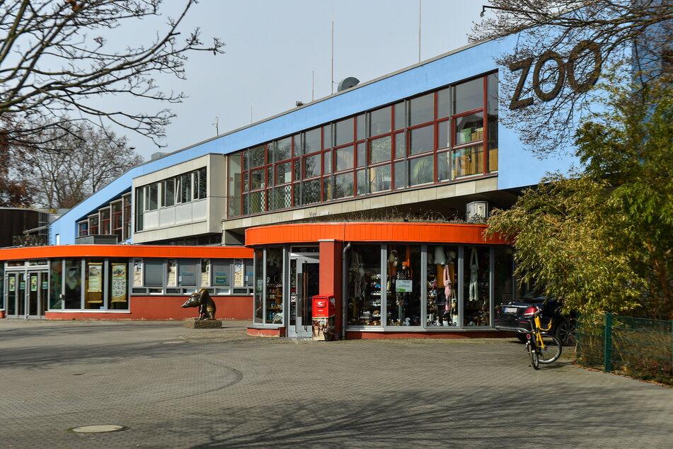 Der Dresdner Zoo hat das Geflügel schon vor Monaten in den Ställen gelassen.