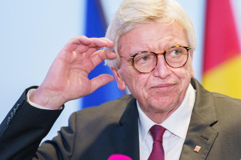 Hessens Ministerpräsident Volker Bouffier (69, CDU) wandte sich am Dienstag mit einem Statement zum weiteren Corona-Vorgehen an die Bevölkerung.