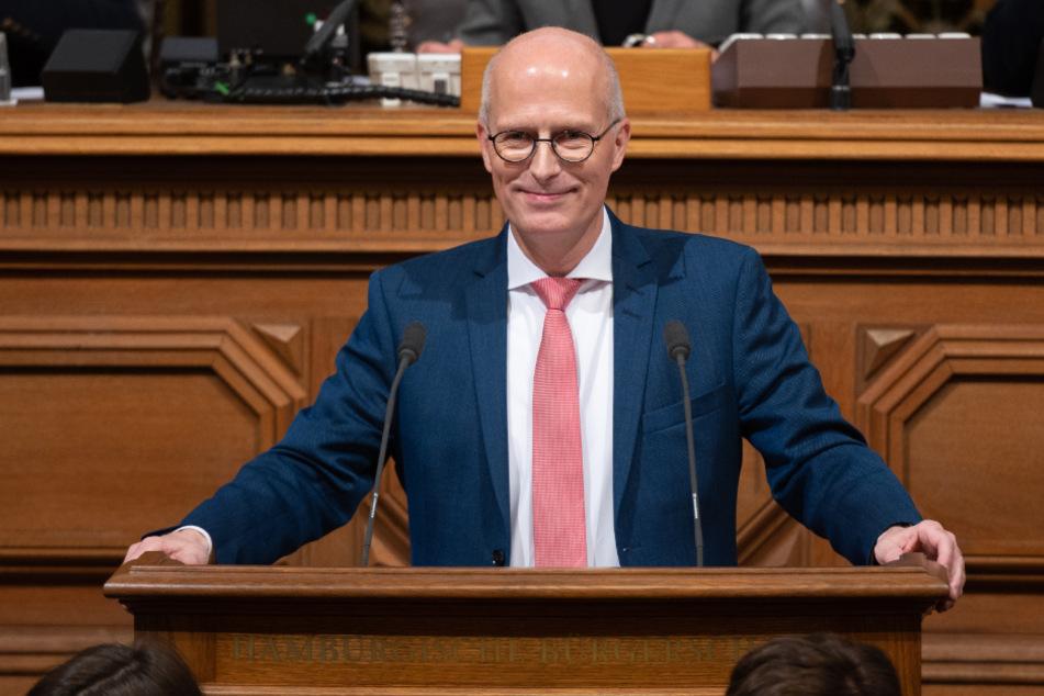 Bürgermeister Peter Tschentscher spricht in der Hamburger Bürgerschaft.