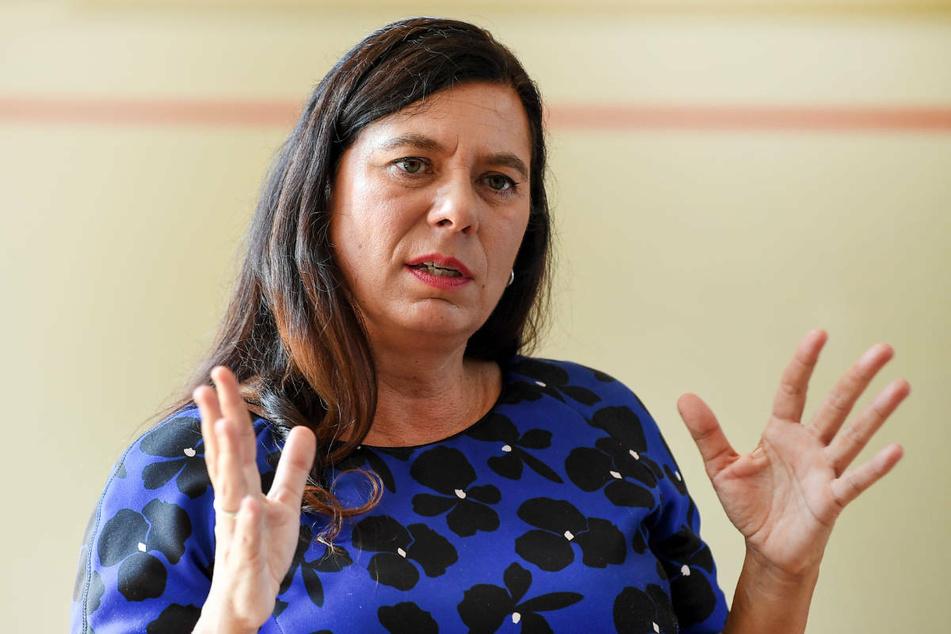 Berlins Bildungssenatorin Sandra Scheeres (51, SPD) sieht die seit Montag geltende Testpflicht an Schulen als wichtigen Schritt in der Corona-Pandemie.