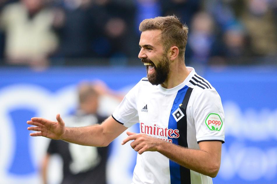 HSV-Stürmer Lukas Hinterseer (29) steht vor einem Wechsel nach Südkorea. (Archivfoto)