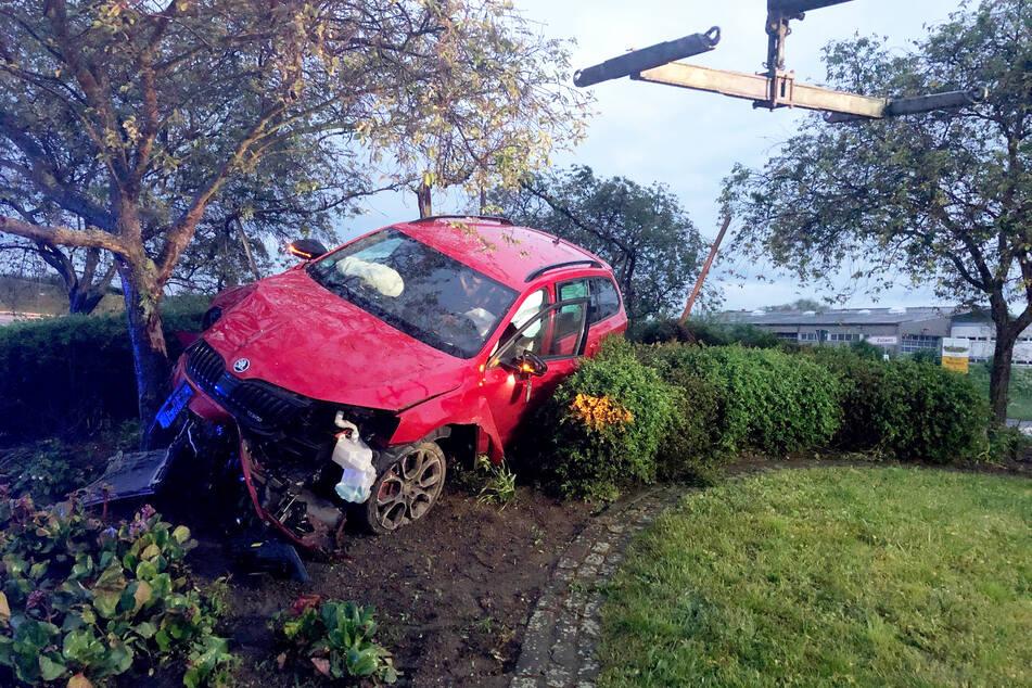 Wie durch ein Wunder wurde der junge Autofahrer bei dem Unfall nicht verletzt.