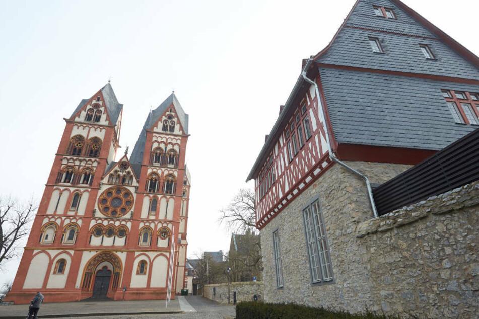 Rund 70 Gläubige besuchten am Sonntag (3. Mai) des Gottesdienst im Limburger Dom (Archivbild).