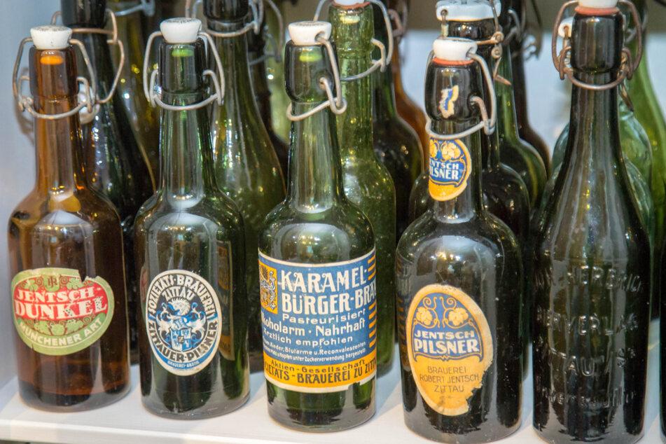 Ein paar seltene Exemplare mit Etikett finden sich doch in der Sammlung, weil sie so selten sind und die Brauereien nicht mehr existieren.