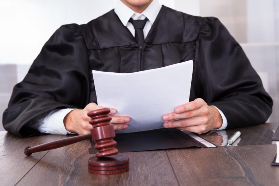 Vergewaltigung und Mord im Altenheim: 88-jährigen Alzheimer-Patienten erwartet Urteil