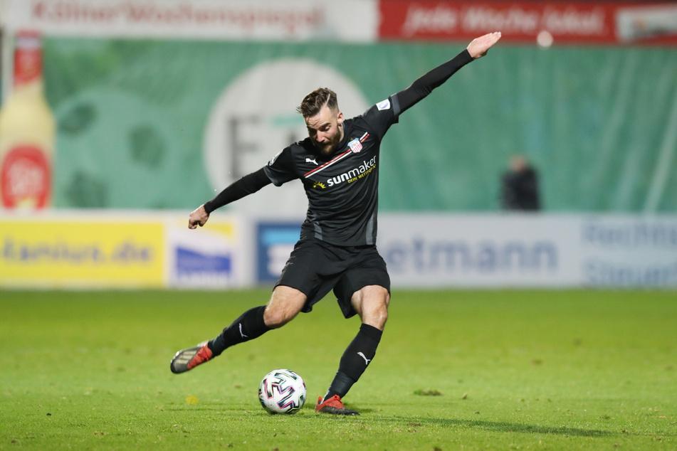 Morris Schröter hatte in der ersten Halbzeit die beste Chance auf ein Tor für Zwickau. (Archivbild)