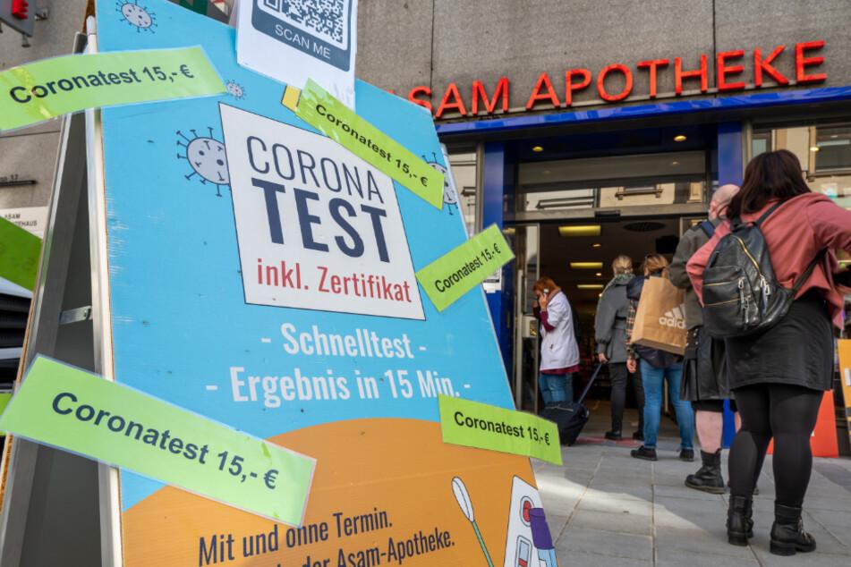 Bislang führten die kostenpflichtigen Tests nicht zu einem schnelleren Anstieg der Impfungen.