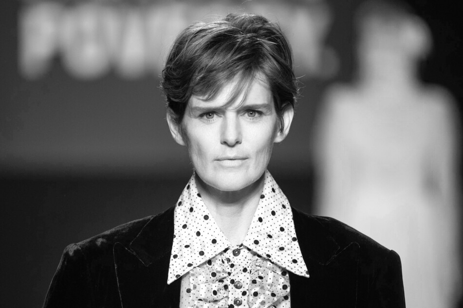 Supermodel Stella Tennant, the face of Chanel, has passed away