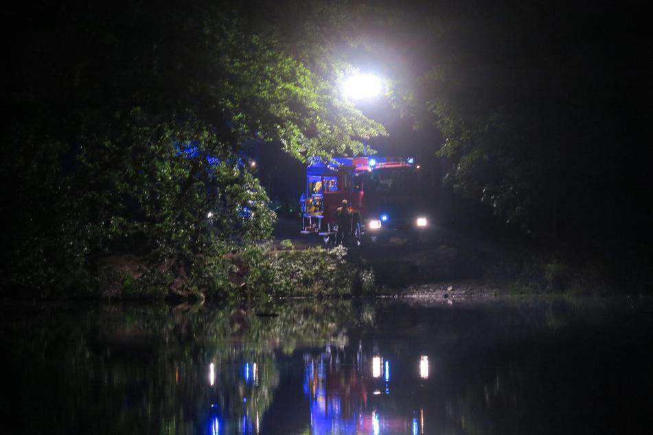 Seit Samstagabend suchte die Feuerwehr in der Talsperre Amselbach nach einem vermissten Schwimmer (65). Am Dienstag das tragische Ende der Suchaktion: Der Mann wurde leblos geborgen.