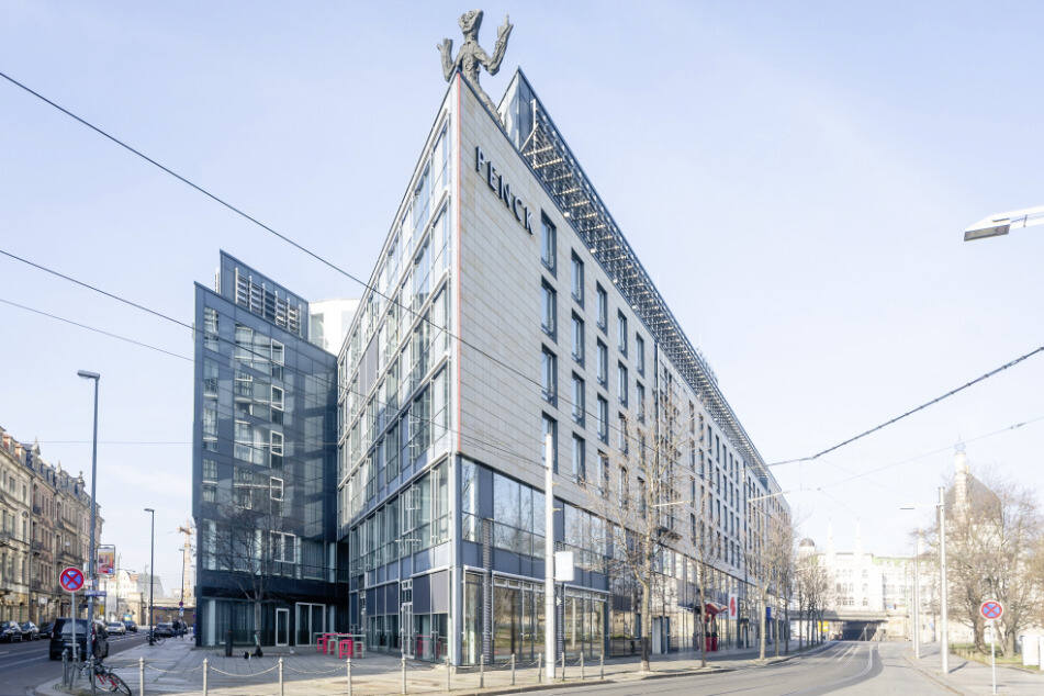 """Auf seiner Webseite informiert das Penck Hotel, dass es """"ab 22. März bis voraussichtlich 20. April 2020"""" schließen wird. Davon betroffen sind der Hotelbetrieb sowie das Restaurant."""