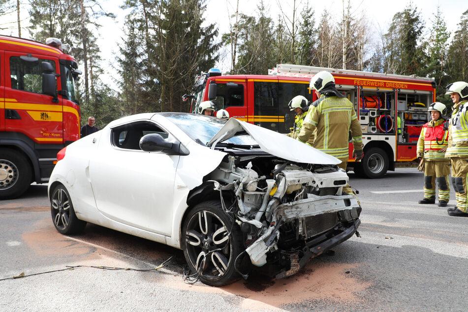 Der Kleinwagen war nach der Kollision nur noch Schrott.
