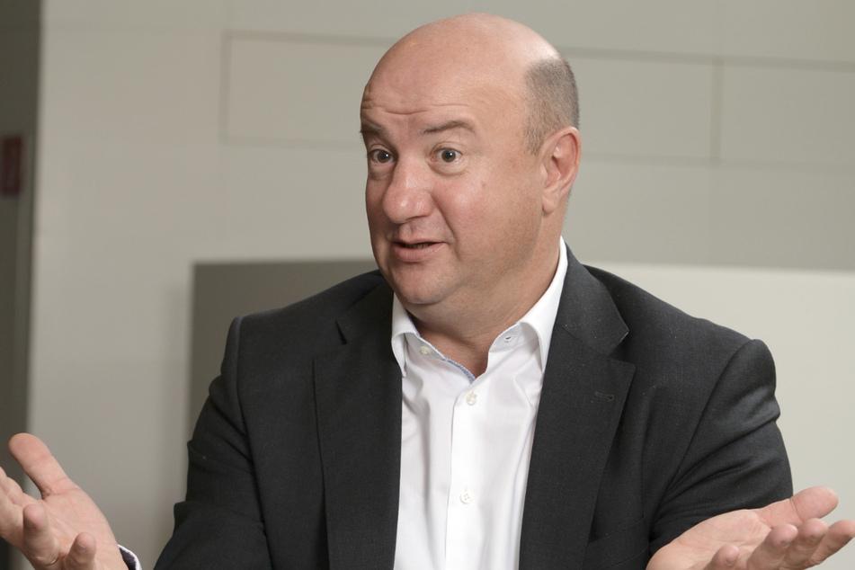 Daimler-Betriebsratschef will Arbeitszeitkürzungen zurücknehmen