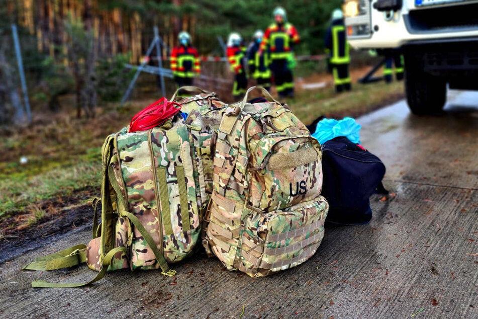 Das Hab und Gut der US-Soldaten konnte geborgen werden und steht auf der Straße.