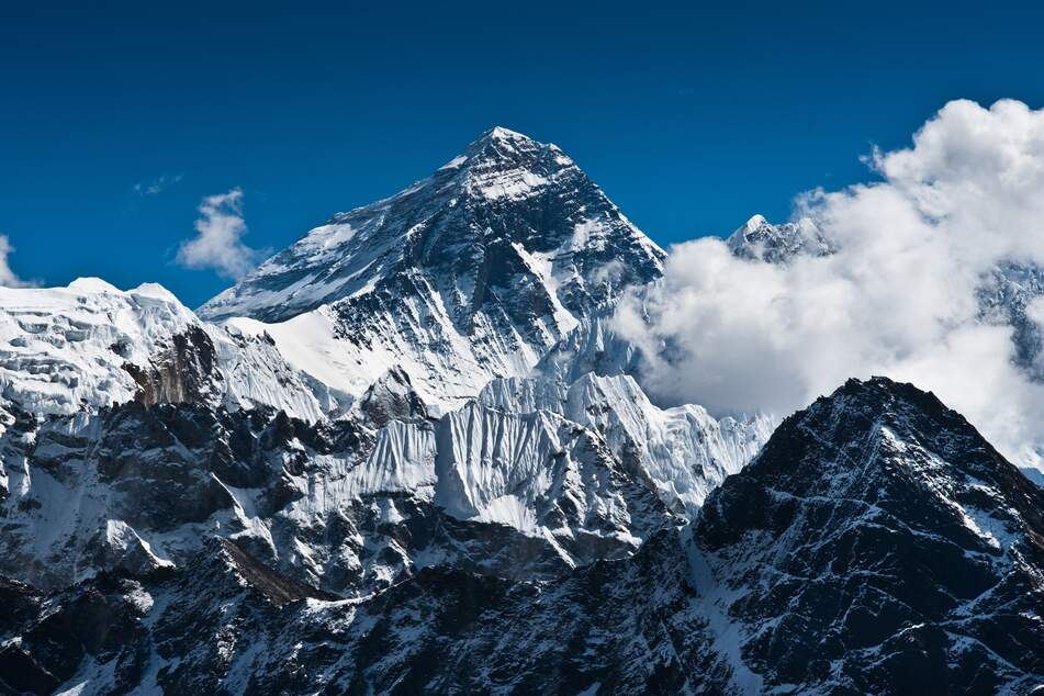 China and Nepal agree: Mount Everest reaches new heights