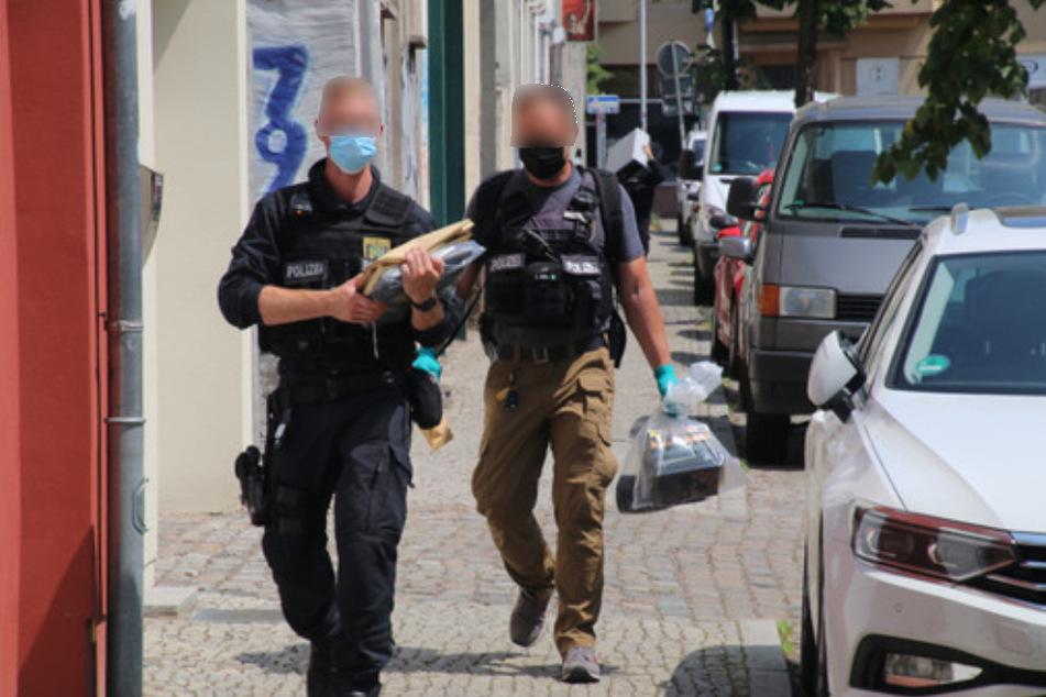Auch in Halle (Saale) haben am Mittwoch Durchsuchungen wegen des Verdachts auf Verbreitung von Kinderpornografie stattgefunden.