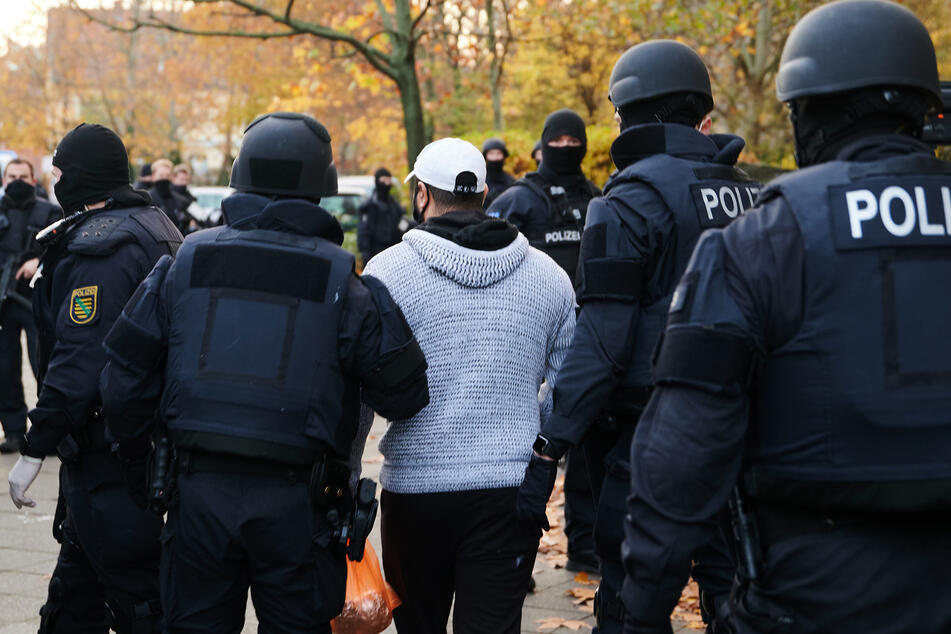 1639 Beamte waren im Einsatz. An der Gitschiner Straße in Kreuzberg wurde Bashir Remmo verhaftet.
