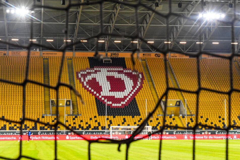 Keine Luftballons! Dynamo Dresden musste die geplante Aktion witterungsbedingt absagen. (Archivbild)