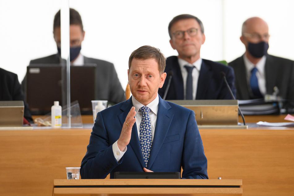 Ministerpräsident Michael Kretschmer (CDU) hat während der Sitzung des sächsischen Landtages seine Regierungserklärung zur Corona-Pandemie gehalten.