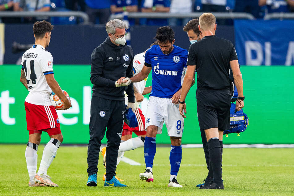 Der FC Schalke 04 muss vorerst auf seinen Kapitän Danny Latza (31) verzichten, der sich im Spiel gegen den Hamburger SV verletzt hat.