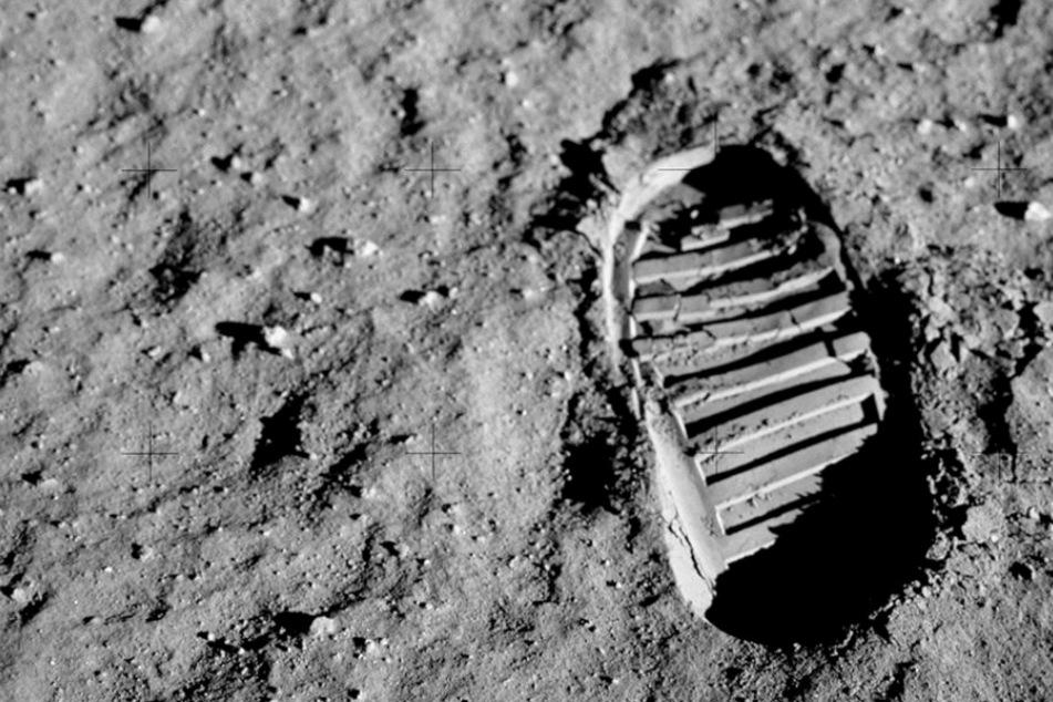 1969 setzten mit Neil Armstrong und Buzz Aldrin zum ersten Mal Menschen einen Fuß auf den Mond.
