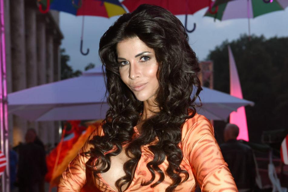 """Micaela Schäfer (37) posiert 2014 im P1 beim Sommerfest. Die Erotik-Queen erfreute ihre Fans jüngst mit einem """"Barbie""""-Shooting der besonderen Art. (Archivfoto)"""
