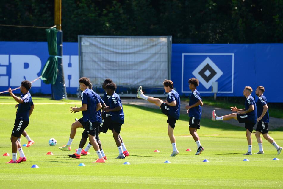 Der Hamburger SV startete am Freitag mit der ersten Trainingseinheit in die Saison-Vorbereitung.